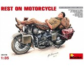 REST ON MOTORCYCLE MiniArt - Nr. 35176